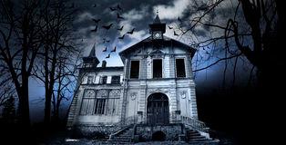 haunted-house-18221876