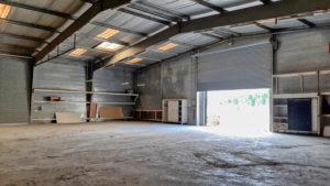 entrepot 1000 m² à louer gard