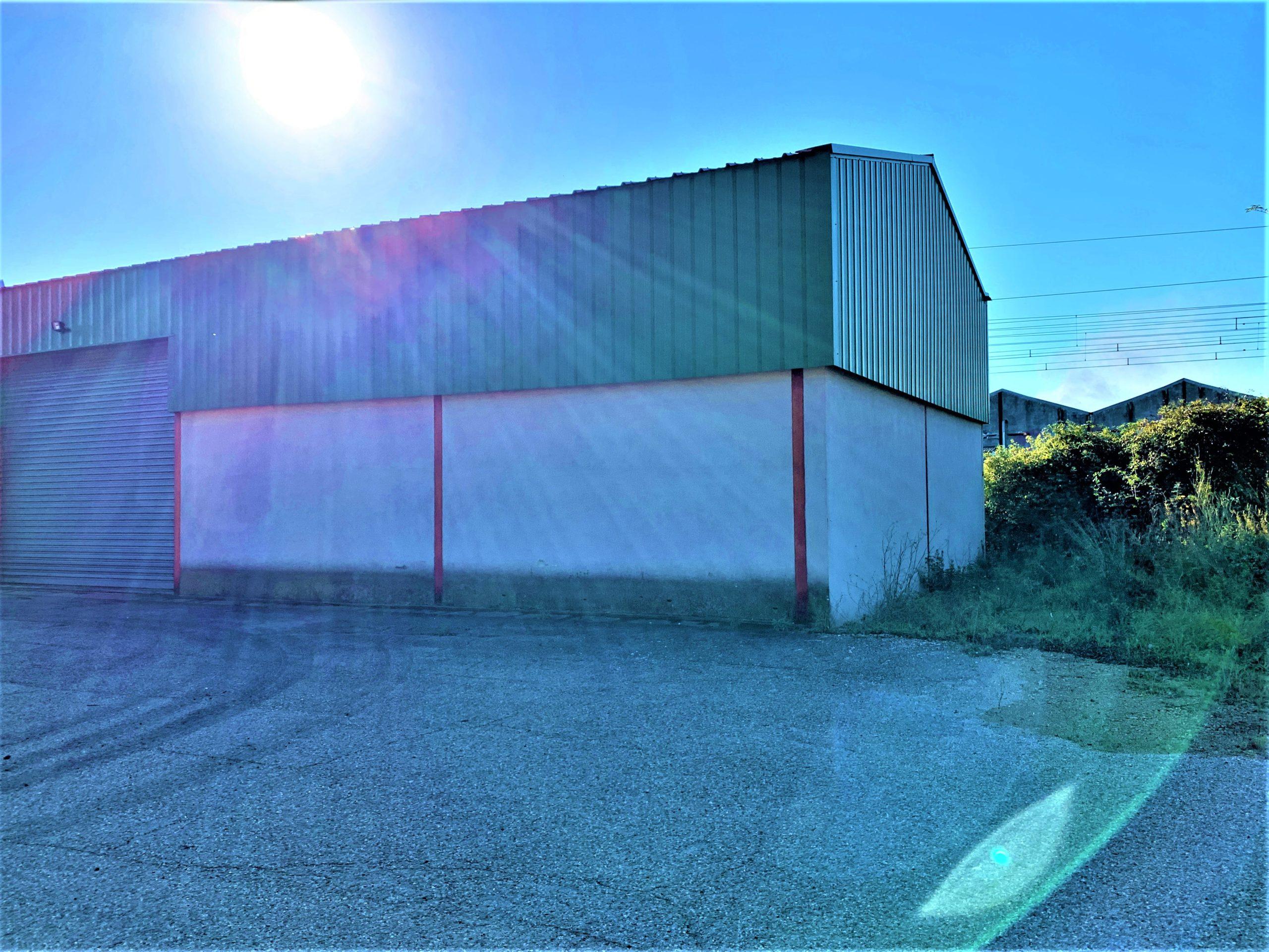 A vendre entrepôt de 1195 m² sur 2580 m²